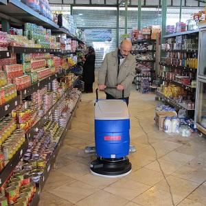 شستشوی کف مراکز تجاری با دستگاه اسکرابر
