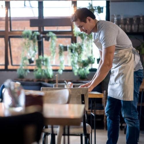 نظافت رستوران در روزهای کرونایی