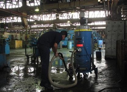 جاروبرقی صنعتی کارخانه خودروسازی