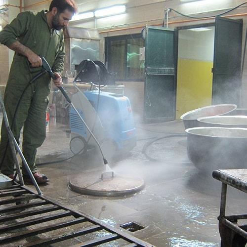 شستشوی تجهیزات آشپزخانه با واترجت صنعتی
