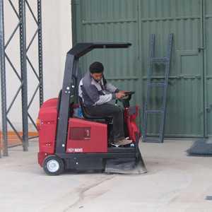 سوییپر صنعتی در کارگاه ساختمانی