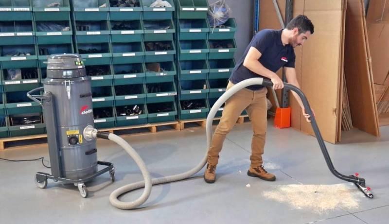 جاروبرقی آب و خاک صنعتی با فیلتر قوی