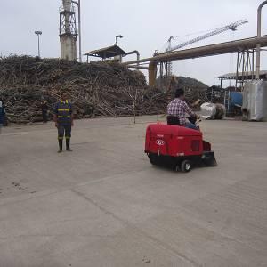 دستگاه سویپر صنعتی قابل استافده در کارخانه های صنعتی نیز می باشد