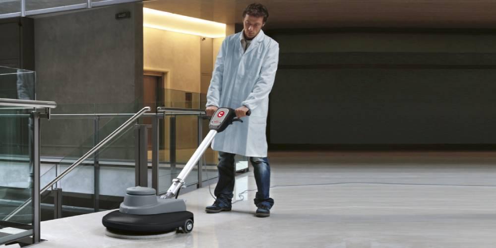 سهولت کاربری و ایمنی استفاده از تجهیزات مکانیزه نظافت بیمارستان