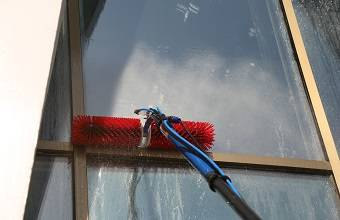 Facade and Window Cleaning Machine