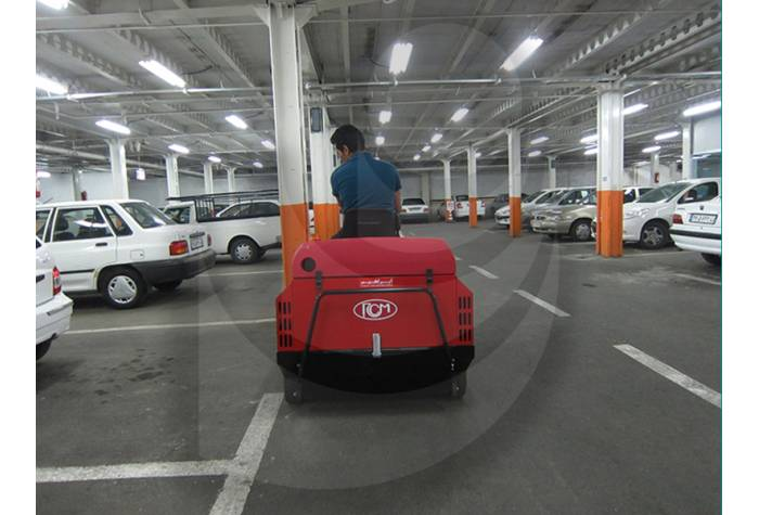 پهنای مناسب و کارآمد سوییپر صنعتی در نظافت سطوح پارکینگ