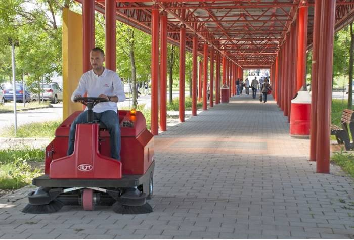 The Ability of Industrial Sweeper floor sweeper