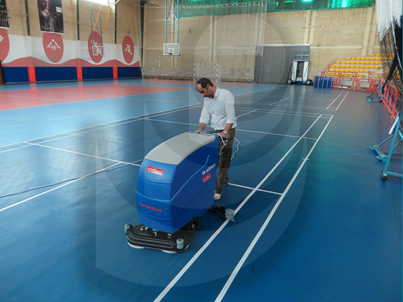 شستشوی کف ورزشگاه ها با اسکرابر