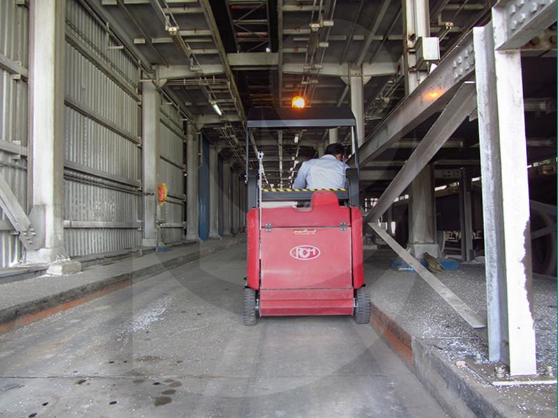 جاروب خیابانی و نظافت سطوح داخلی در صنایع