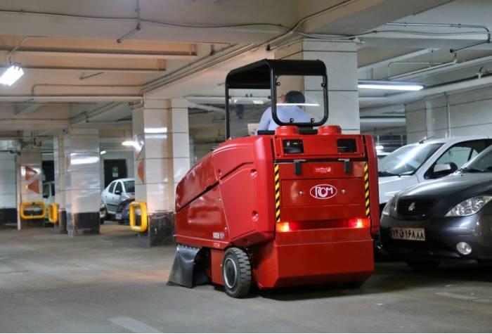 نظافت پارکینگ با سوییپر صنعتی