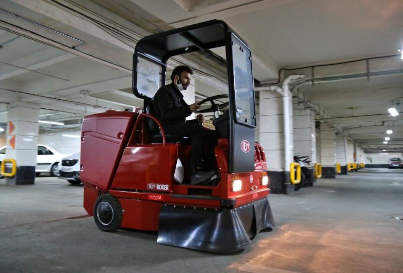 نظافت مکانیزه پارکینگ با سویپر