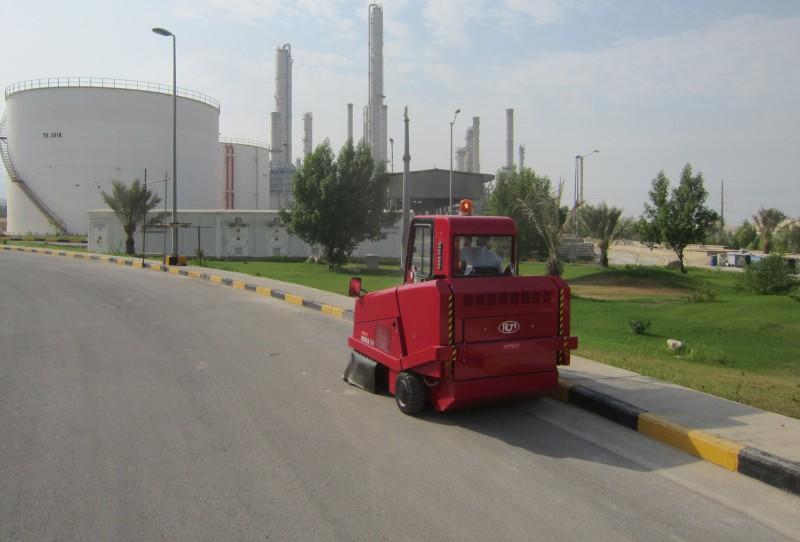نظافت صنعتی با سوییپر خودرویی