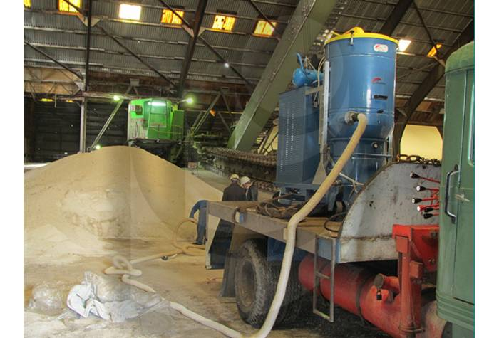 Ease of cleaning of the industrial environments because of the possibility of moving industrial vacu