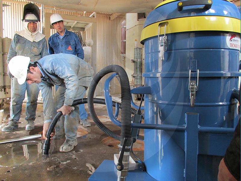 جاروبرقی مجهز به سیستم مکش مایعات
