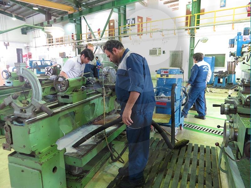 جمع آوری مواد اولیه در صنایع پتروشیمی بوسیله جاروبرقی