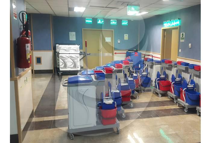 ترولی چند منظوره ALPHASPLIT به همراه چند سطل مخصوص شستشو و سطل زباله