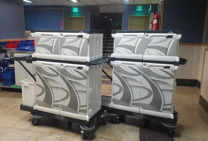 ترولی خدماتی و هتلی مخصوص حمل حوله و ملحفه به صورت کاملا پوشیده و بهداشتی