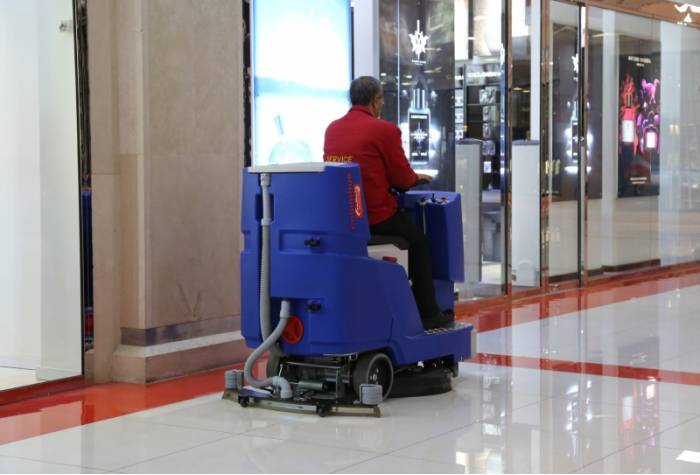 scrubber for shopping mall