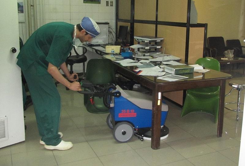 نظافت بیمارستان با اسکرابر دستی 35b10