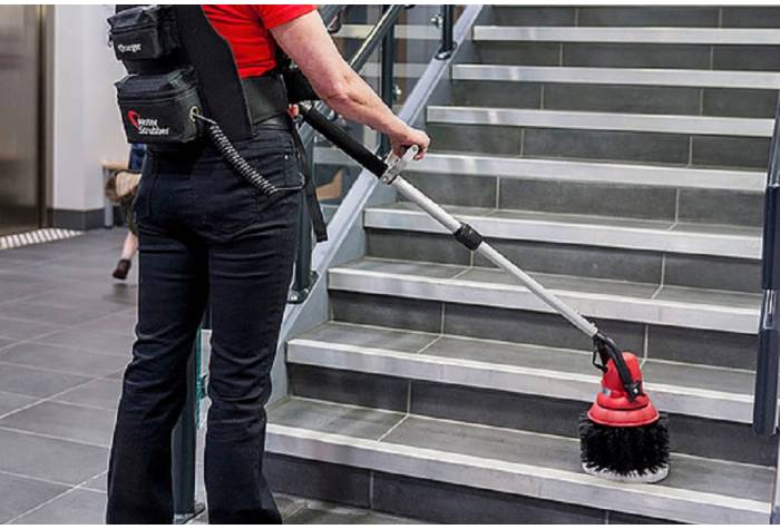 motorscrubber for washing stairs