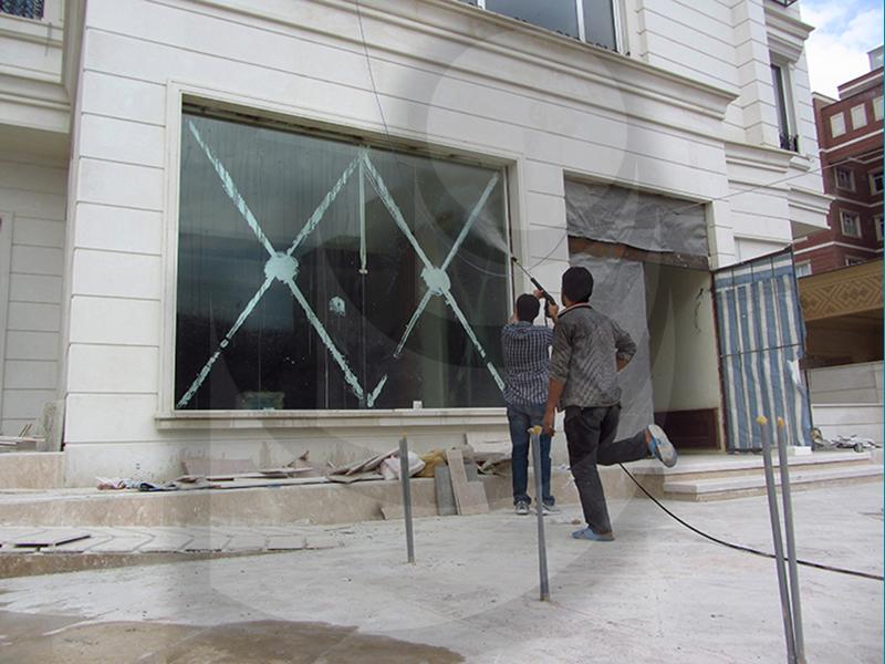 پاک کردن لکه رنگ از روی شیشه با استفاده از K1152TST