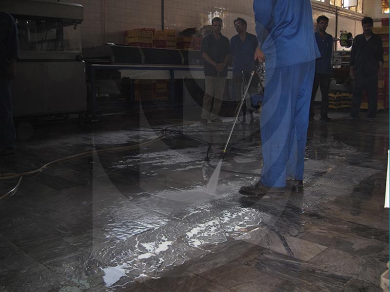 شستشو کف زمین با واترجت صنعتی آبسرد K2195 TST