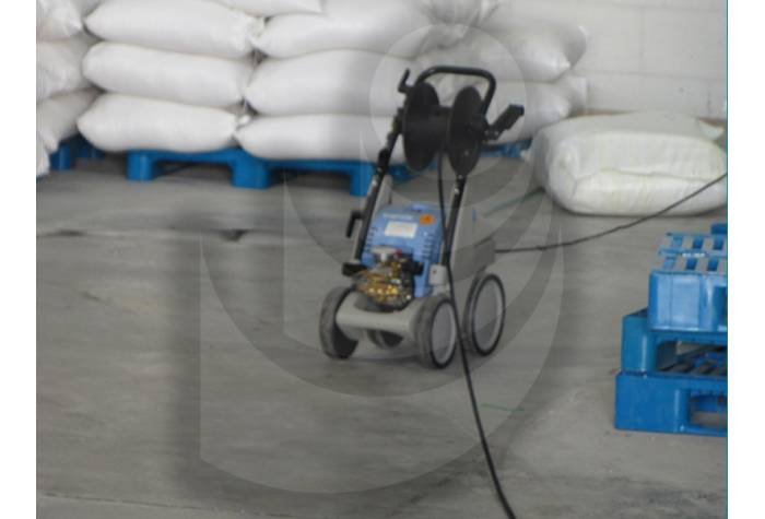 Use water jet Q 9/170 TST in food industry