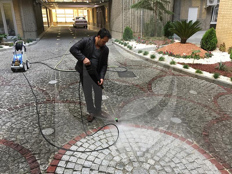 پاک کردن و شستشو آلودگی از سطح زمین با استفاده از واترجت صنعتی Q799