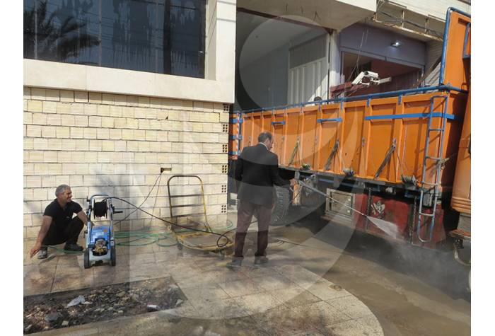 Truck Washing with water jet Q 800 TST a perfect car lifters