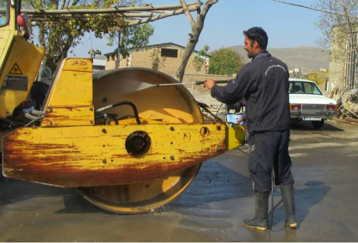 Washing machines with industrial car wash machine