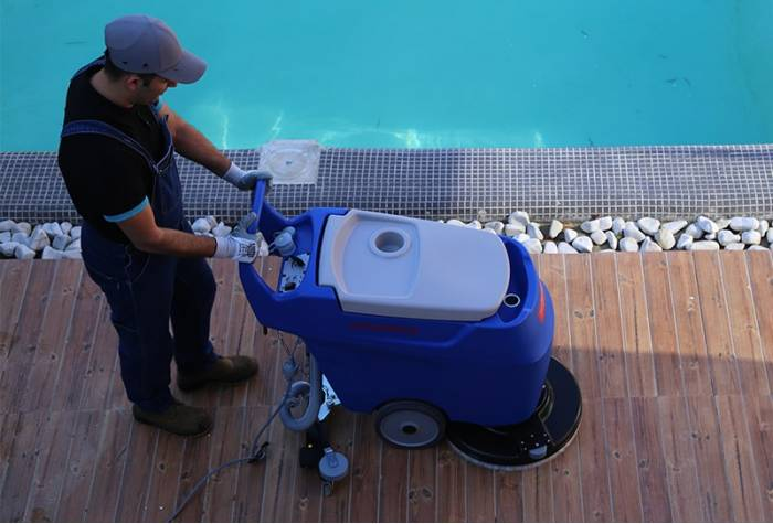 RA55K40 mains operated scrubber dryer