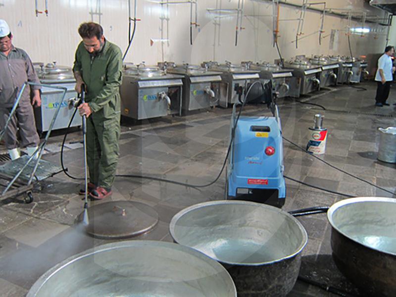 شستشو دیگ و شستشو آشپزخانه با واترجت صنعتی آب گرم با واترجت صنعتی آب گرم TC 11/130
