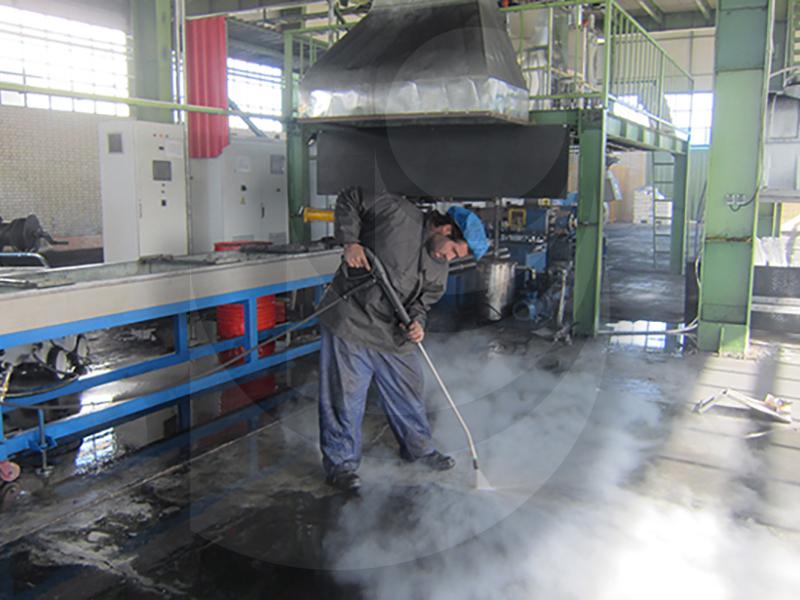 factory floor washing with hot water industrial waterjet TC 13/180