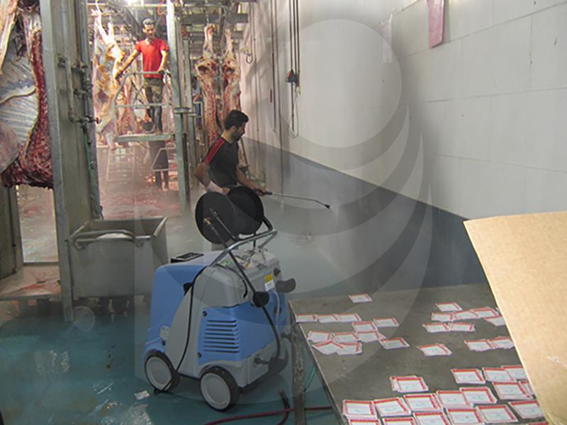 شستشو کشتارگاه با واترجت صنعتی آب گرم  Therm C 13/180