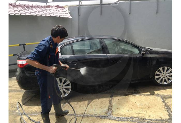 car washing with Industrial hot water waterjet TC 13/180