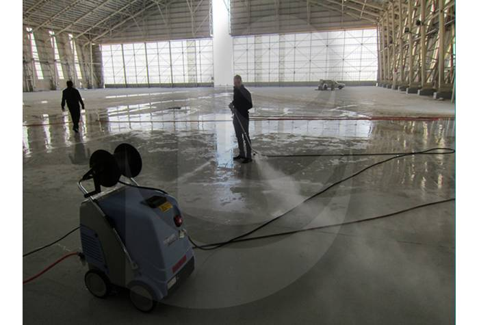 hangar washing with hot water industrial waterjet TC 13/180