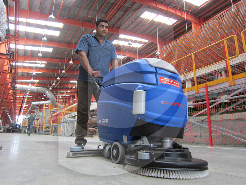 Cleaning semi industrial environments with scrubber