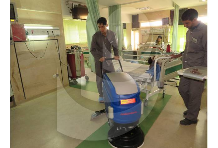 floor cleaning hospitals with scrubber