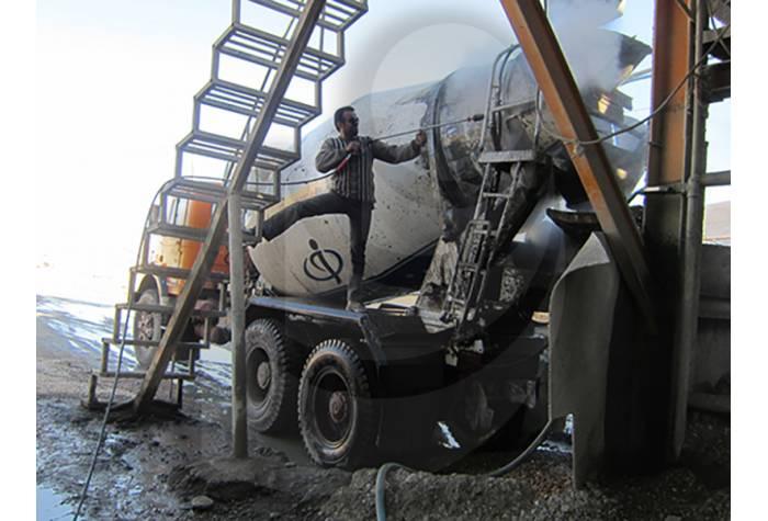 شستشو قطعات صنعتی با استفاده از واتر جت صنعتی آب سرد E 400