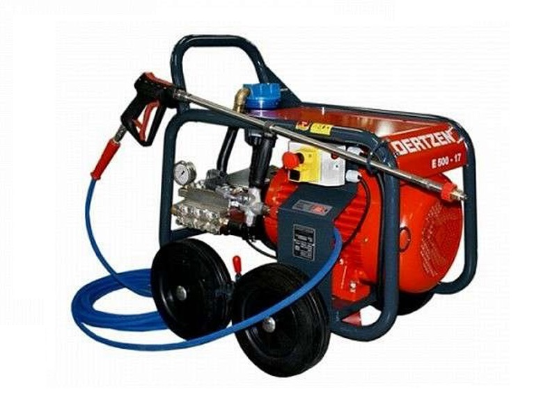 E500-17 high-pressure washer with water shortage control system