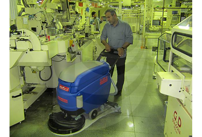 cleaning industrial units with battery Scrubber