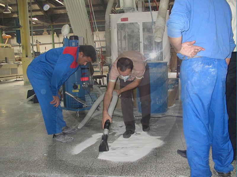 جمع آوری مواد پودری با جاروبرقی صنعتی